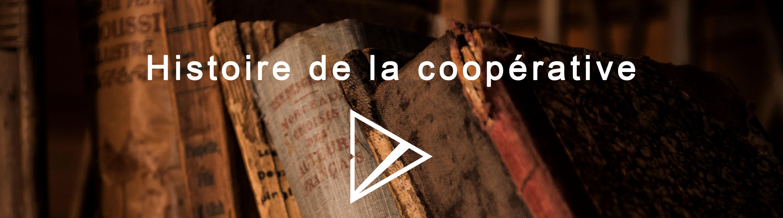 Livres anciens où il est écrit «Histoire de la coopérative»